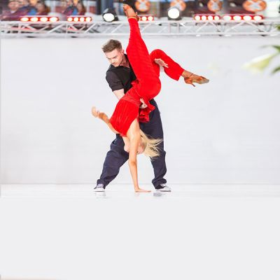 tanssi og neliö