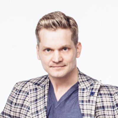 Opettaja neliö Mikko Ahti